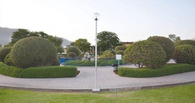 """""""البلديات الإقليمية وموارد المياه"""" تواصل اهتمامها بالحدائق العامة والمتنزهات بمحافظات وولايات السلطنة"""
