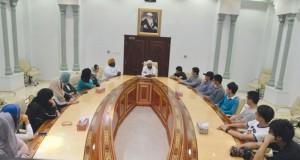 وفد من جامعة صحار يزور وزارة الأوقاف والشؤون الدينية
