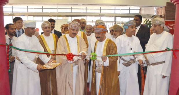 وزير القوى العاملة يفتتح المعرض الخليجي للطوابع