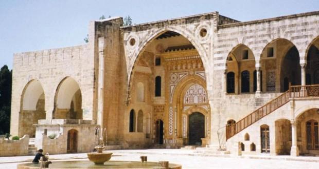 قصر بيت الدين .. حكاية جمال لعبق التراث والثقافة في لبنان