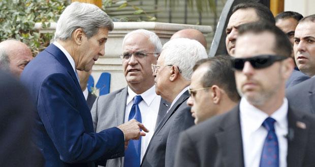 عباس يطالب كيري بالضغط على إسرائيل لوقف الانتهاكات في الأراضي المحتلة