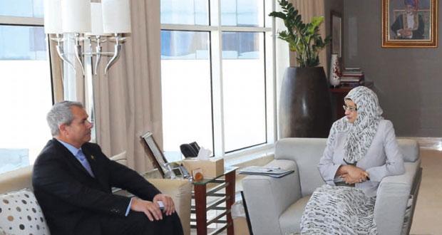 وزيرة التعليم العالي تستقبل العميد التنفيذي لكلية الطب جامعة نيقوسيا