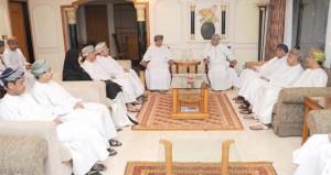 وزير الإعلام يلتقي بأعضاء اللجنة الإعلامية لانتخابات أعضاء مجلس الشورى للفترة الثامنة