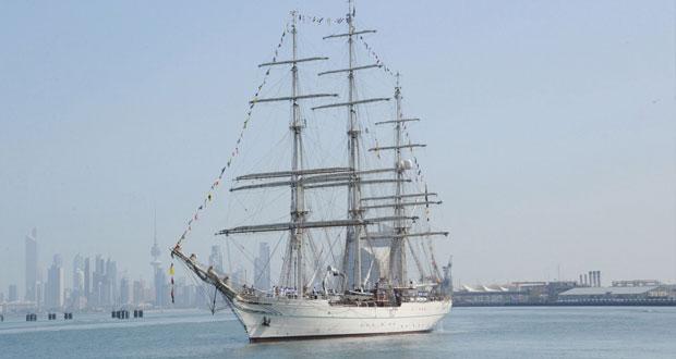 سفينة البحرية السلطانية العمانية ( شباب عمان الثانية ) تغادر دولة الكويت الشقيقة في مسار (شراع التعاون 2015 )