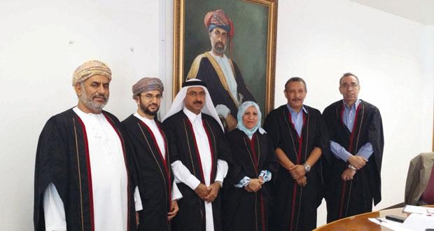 جامعة السلطان قابوس تناقش أربع رسائل دكتوراه