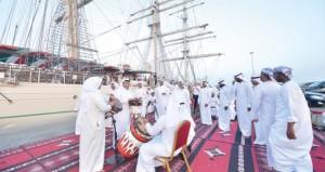 شباب عمان تغادر البحرين متوجهة إلى قطر في مسار رحلتها شراع التعاون 2015م