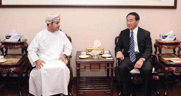 """سفير الصين لدى السلطنة لـ """"الوطن"""": العلاقات بين السلطنة والصين تشهد تطوراً كبيراً في كافة المجالات"""