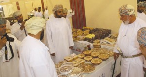 افتتاح مهرجان التمور العمانية الثالث بولاية نـزوى