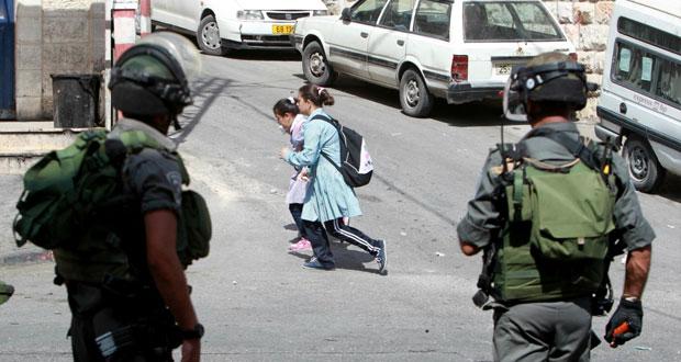 جيش الاحتلال يقتحم الأقصى ومستوطنوه يدنسون باحاته