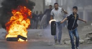 إصابة فلسطينيبن برصاص الاحتلال ومستوطنية بدعوى طعن مستوطنين في بيت لحم والخليل