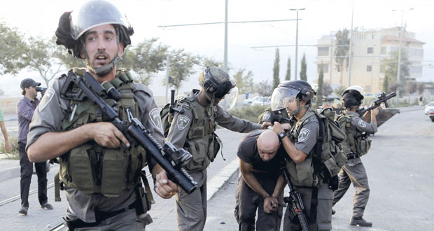 انتشار عسكري إسرائيلي مكثف بالقدس ومتطرفون يستبيحون الأقصى