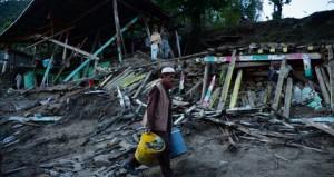 سباق مع الزمن للبحث عن ناجين إثر الزلزال في أفغانستان وباكستان