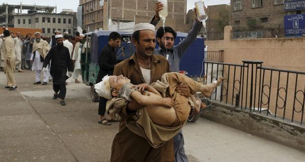 عشرات الوفيات بزلزال في باكستان وأفغانستان