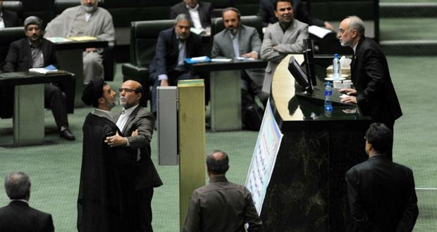 إيران تختبر صاروخا جديدا بعيد المدى محلي الصنع بنجاح