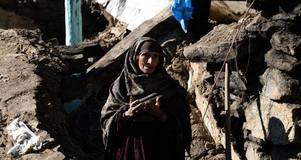 أعمال إغاثة المتضررين من الزلزال تتقدم ببطء في باكستان وأفغانستان