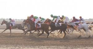 تنافس وإثارة في سباق الخيول الثاني لنادي سباق الخيل السلطاني