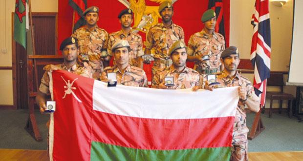 الجيش السلطاني العماني يتوج بالميدالية الفضية في بطولة (كامبريان) بالمملكة المتحدة