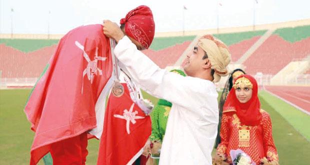 السلطنة تعيش أجواء الفرحة والاحتفال بيوم المرأة العمانية