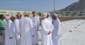 وزير الشؤون الرياضية يزور مجمع خصب الرياضي