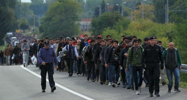 أوروبا وتركيا تعلنان عن خطة مشتركة بشأن اللاجئين وإنقاذ المئات من عرض (المتوسط)