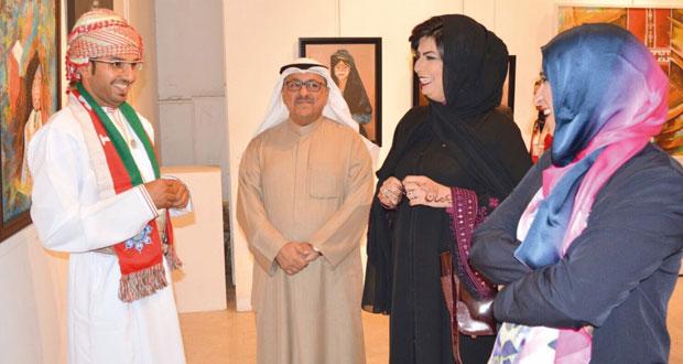 الجمعية العمانية للفنون التشكيلية تنظم معرض الفن التشكيلي العماني المعاصر في الكويت