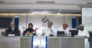 """ندوة """"دراسات في الموسوعة العمانية"""" توصي باستقلاليتها وترجمتها إلى عدة لغات"""
