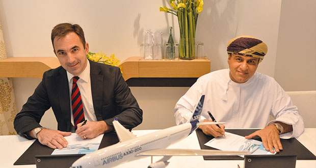الطيران العُماني يوقع اتفاقية لتحديث مقصورات أسطول طائرات الإيرباص ايه 330