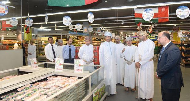 افتتاح معرض المنتجات العمانية في الميرة هايبر ماركت