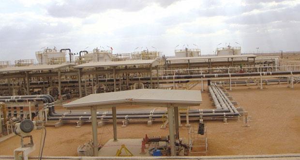 اتحاد عمال قطاع النفط والغاز يشيد بالخطوات التي اتخذها اللجنة الوزارية بشأن تفادي تسريح الأيدي العاملة الوطنية في القطاع