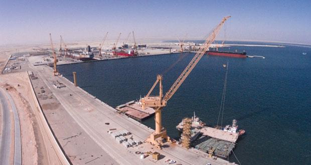 """يحيى الجابري لـ""""الوطن الاقتصادي"""": تشغيل ميناء الدقم نهاية 2017 والأسابيع القادمة ستشهد إسناد مشروع البنية الأساسية للرصيف التجاري """"الحزمة الثانية"""" وبدء العمل بالحزمة الثالثة ديسمبر المقبل"""