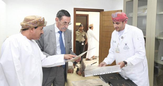 المدير العام للأرشيف الجزائري يطلع على تجربة السلطنة في مجال إدارة الوثائق والمحفوظات