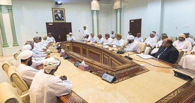وزير الأوقاف والشؤون الدينية يلتقي بمستشاري ومديري عموم الوزارة ومساعديهم ومديري الدوائر بالمحافظات