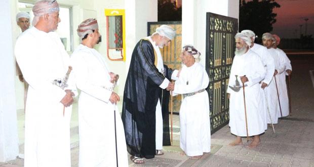 الولاة يستقبلون جموع المهنئين بمناسبة العيد الوطني الخامس والأربعين المجيد