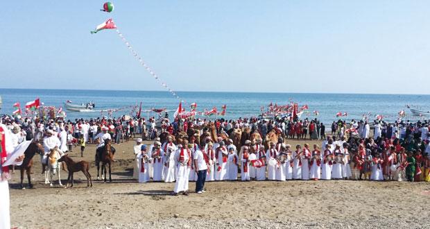 أهالي ولاية صحم يقيمون احتفالا شعبيا بمناسبة العيد الوطني