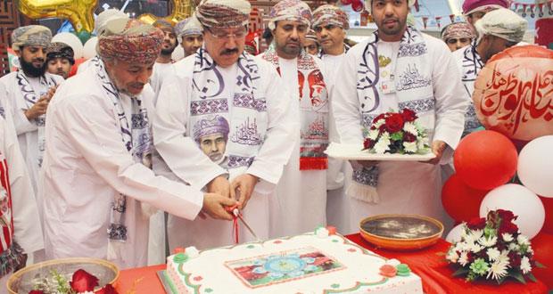 وزارة الإسكان تحتفل بالعيد الوطني الـ (45) المجيد