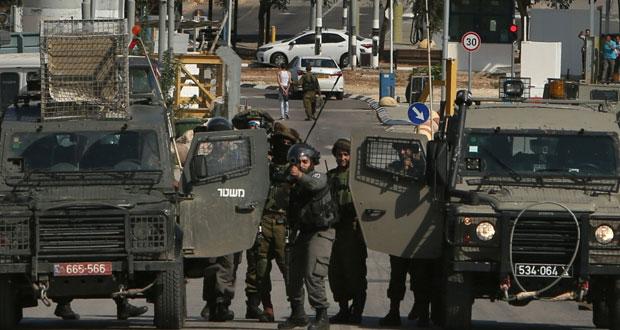 الاحتلال يغتال فلسطينيا ويطلق يد جنوده لقنص (ملقي الحجارة) بالرصاص