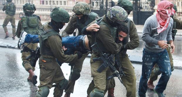"""مواجهة عنيفة بسادس """"جمعة غضب"""" للفلسطينيين والاحتلال يحاصر مسجدا في الخليل"""