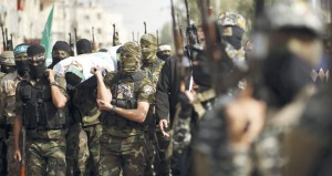 إصابة طفل فلسطيني بعملية دهس لآلية عسكرية إسرائيلية.. ومنع مزارعي (بيت أمر) من الوصول لحقول الزيتون