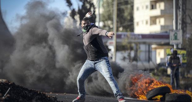 الاحتلال يشن حملة لهدم منازل الفلسطينيين..واعتقال العشرات في الضفة