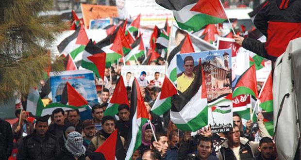 الاحتلال يداهم القدس ويعسكر أحياءها..وإصابة العشرات في مواجهات (قلنديا)