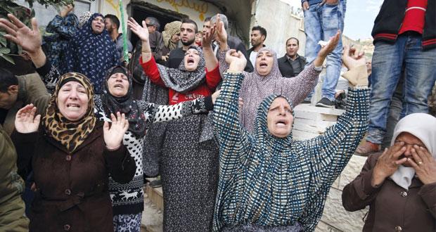 الاحتلال يعدم فلسطينيين بالضفة والقدس ويوسع نطاق مداهماته