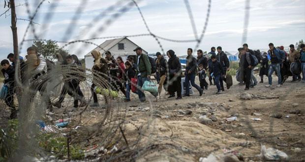 أوروبا تتعهد بتحركات أسرع لمواجهة أزمة اللجوء.. وسلوفيينيا قد تعزز حماية حدودها
