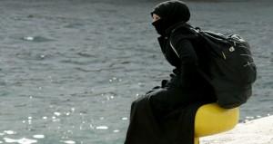 المهاجرون: مقتل 13 بينهم 6 اطفال في غرق مركبين قبالة اليونان
