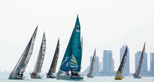 استعدادا لسباق الطواف العربي للإبحار الشراعي