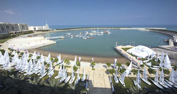 استعدادات مكثفة لاستضافة السلطنة بطولة العالم النسائية لقوارب الليزر