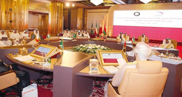 تهنئة السلطنة على تصدرها الشاطئية الخليجية وتكليف الكشري لحل قضية المجلس القطري