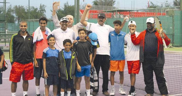 في خليجية التنس.. منتخب الناشئين يحقق فوزه الثاني على حساب الكويت والأشبال يتجاوز البحرين