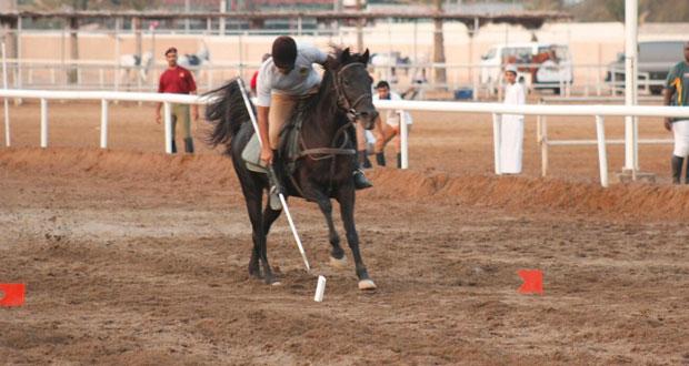 البكري يهدي خيالة مدرعات سلطان عمان أول لقب لهذا الموسم