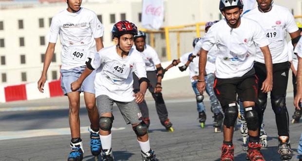 ختام مثير لسباق التزلج بالعجلات بمشاركة أكثر من 200 متسابق