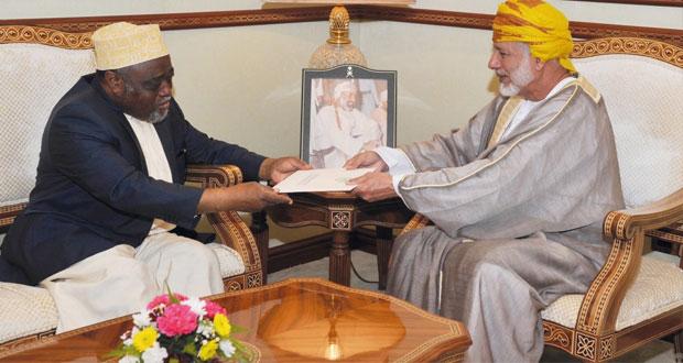 جلالة السلطان يتلقى رسالة خطية من رئيس جمهورية القمر المتحدة